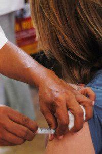 A mulher deverá tomar a dose de reforço a cada gestação (imagem ilustrativa)