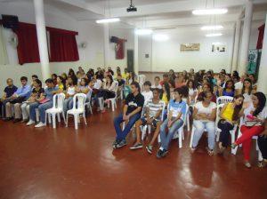 Auditório recebeu professores, alunos e convidados, como diretoras de escolas estaduais