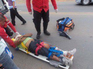 Motociclista foi socorrido e levado para o PAM (foto: Rádio Cidade)