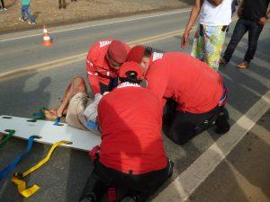 Mulher foi socorrida pelos bombeiros civis