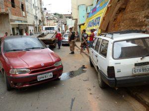 Acidente foi na Rua Deputado Dênio Moreira de Carvalho (foto: Rádio Cidade)