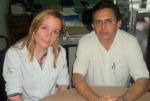 A médica Daniela Genelhu e o provedor padre José Antônio Nogueira falaram sobre o mutirão de cirurgias (foto: Rádio Cidade)
