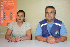 Maíra Batista da Silva Paiva Félix e o diretor do Departamento de Vigilância Sanitária, Ediorgenes Nunes Correa
