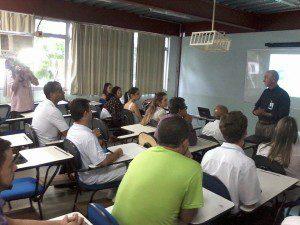 Professor Antônio Fonseca da Silva faz abertura do lançamento no Campus II
