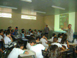 Hélio Amaral fala aos alunos