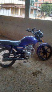 Uma das motos usadas pelos acusados