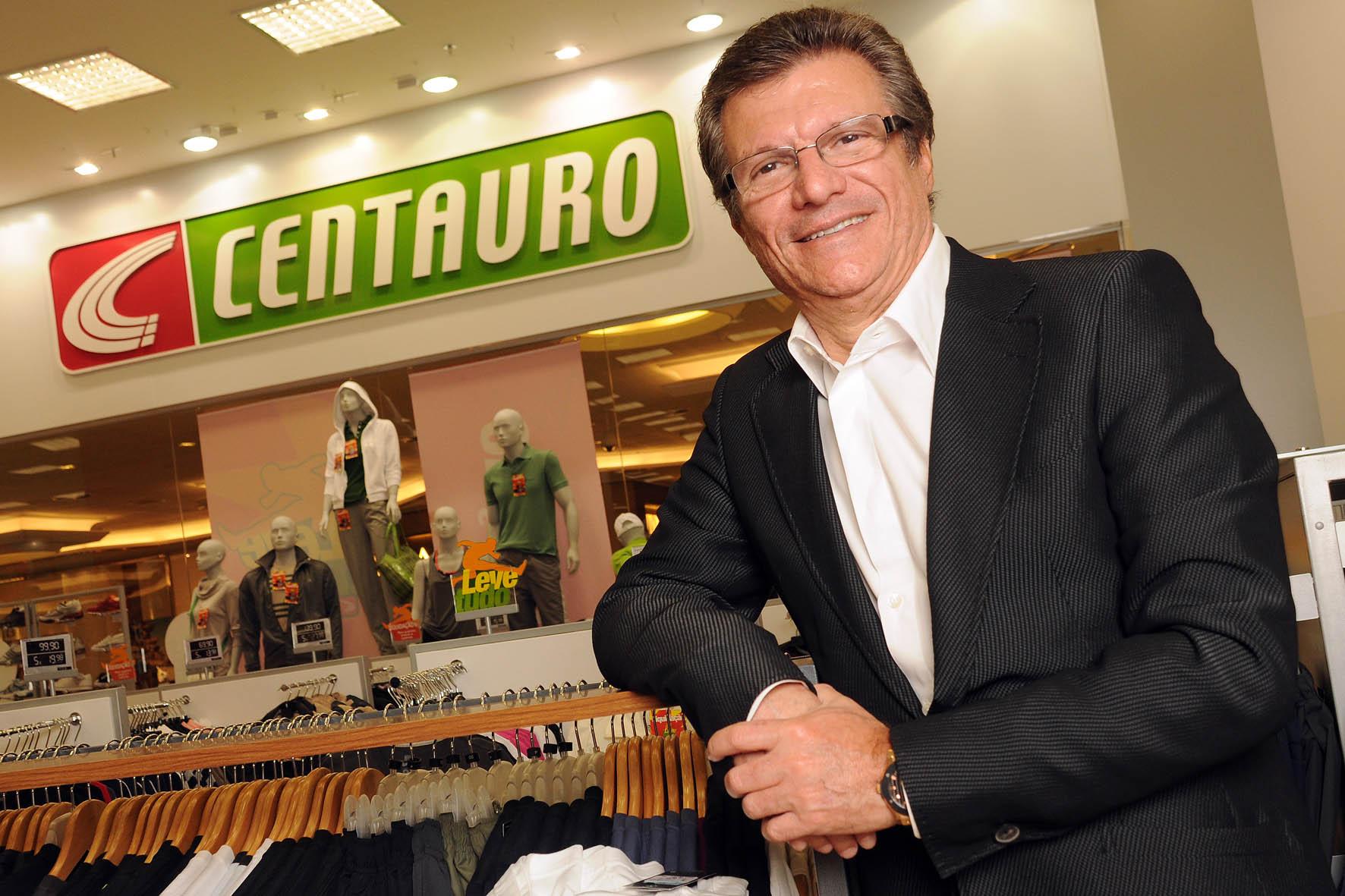 Resultado de imagem para fotos de dono da rede de lojas Centauro, Sebastião Bomfim Filho