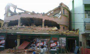 A previsão que os trabalhos de demolição sejam concluídos nos próximos dias