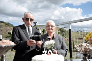 Celebração dos 70 anos de casamento, a bodas de vinho