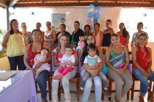 12 gestantes e mães participaram do Chá