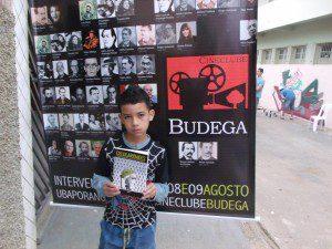 Cineclube fomenta a cultura e atrai atenção das crianças