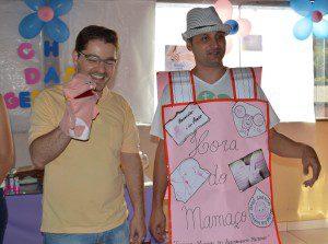 O coordenador de Atenção Básica, da Secretaria Municipal de Saúde, Wendel José Teixeira Costa participou das brincadeiras