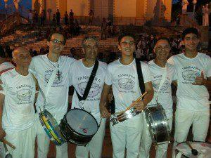 Tradição passada de geração em geração: José Rocha e seu filho Heverton, Sérgio e seu filho Andrey, Kleber e seu filho Clever
