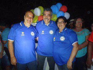 Bó, Leonardo Monteiro e Dalva e Dalva foram presenteados com camisas do Novo Horizonte Futebol Clube
