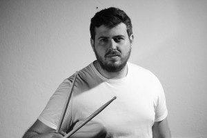 Rangel Estevam – bateria e voz