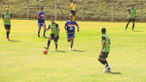 O reencontro entre Santa Cruz e Limoeiro foi o único jogo da rodada