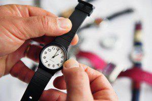 Relógios deverão ser adiantados em uma hora nos estados brasileiros que adotam essa medida