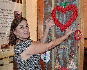 Artesã Ângela Ferreira conta que realiza exposições no Casarão das Artes há três anos