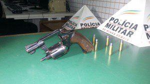 Arma estava com cinco munições