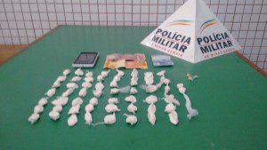 Droga recolhida pelos policiais