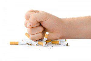 Grupos ajudam a pessoa a deixar o hábito de fumar (imagem ilustrativa)