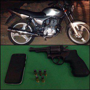 Moto foi recuperada. Militares recolheram arma, munições e celular