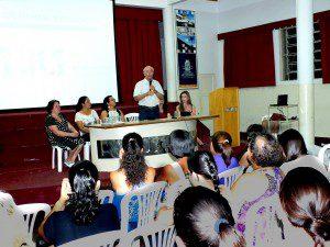 Reitor Antônio Fonseca fala da satisfação em receber os professores
