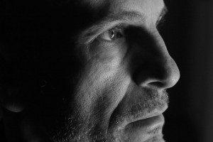 Fernando Campos lança seu primeiro livro de poesias