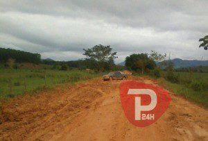 Veículo foi encontrado abandonado na estrada que liga Vargem Alegre a Revés do Belém