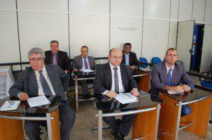Vereadores se reuniram para discutir o projeto do executivo
