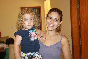 Talita Marinho, mãe de Mel, agradece as doações e segue na reta final da campanha (Foto: Arquivo Diário de Caratinga)