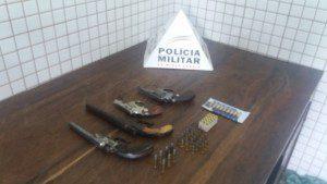 Armas e munições recolhidas pela Polícia Militar