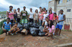 Moradores ajudaram no mutirão de limpeza