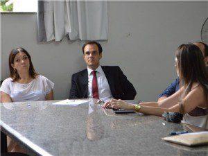 Secretária de Saúde, Raquel carvalho e o promotor de justiça Maicson Borges