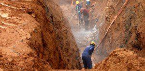 Segundo a Copasa, escavação de rochas é um dos fatores que atrasou a obra