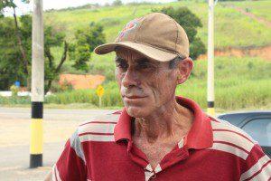 Paulo, que já atuou como bombeiro voluntário, conseguiu, com ajuda de algumas pessoas, conter as chamas