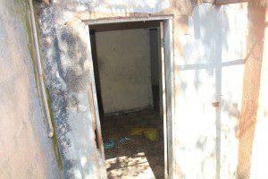 Casa foi invadida e materiais foram furtados