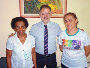 Professor Eugênio ladeado por Maria Aparecida e Maria Rosa