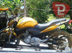 Moto tinha sido furtada no domingo (20) (foto: Polícia 24h)