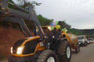 Prefeito Zé do Nubim e o Chefe de gabinete Geraldo Marquim desfilaram pelas ruas da cidade