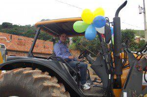 Zé do Nubim participa do desfile de apresentação dos equipamentos