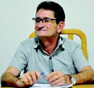 Cabral avalia crise no comércio caratinguense