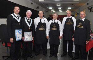 Equipe de copa e cozinha; mestre de banquete, Ildeci é o segundo, da direita para a esquerda