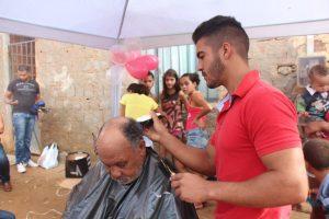 Dentre os serviços ofertados, corte de cabelo gratuito