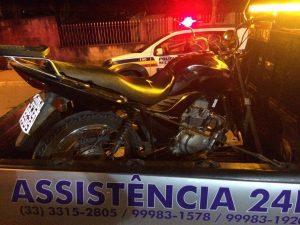 Moto usada pelos suspeitos foi apreendida
