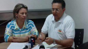 Diretora Suély Pereira e padre José Antônio Nogueira