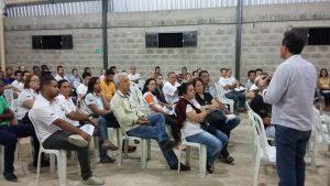 Marco Antônio fala aos apoiadores de sua campanha
