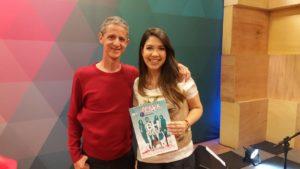 Camilo e a apresentadora do Kaleidoscópio, da TV Horizonte, durante entrevista na BH Beatle Week de 2016 (Foto: Arquivo Pessoal)