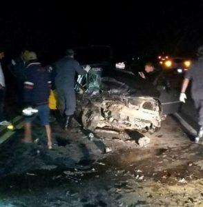 Momento em que as vítimas são socorridas (foto: Bombeiros comunitários de Ubaporanga)