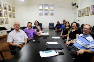 Reunião com a equipe de aplicação do vestibular fora da sede